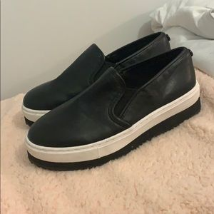 Slip on platform sneakers